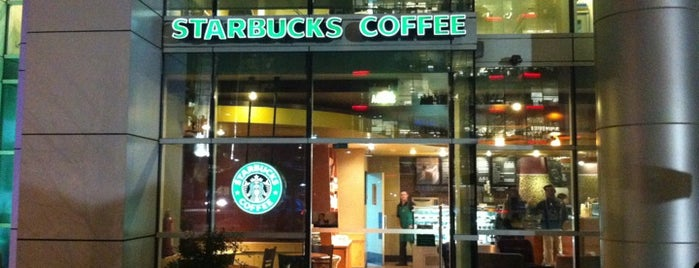 Starbucks is one of Must-visit Coffee Shops in Las Condes.