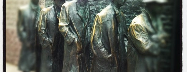 Franklin Delano Roosevelt Memorial is one of Attractions to Visit.