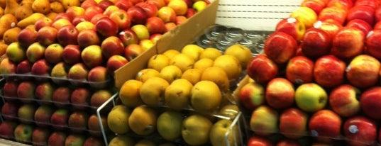 Twin City Supermarket is one of Follow @yosoyfresko @buildinvibe on twitter.