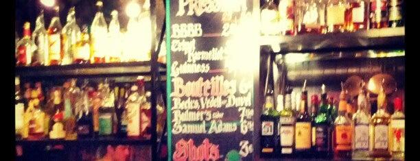 UFO Bar is one of Bars du Jeudi.
