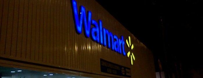 Walmart is one of Calioni pelo mundo!.