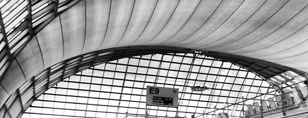 Gate E9 is one of TH-Airport-BKK-1.