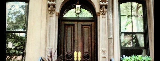 Carrie Bradshaw's Apartment from Sex & the City is one of summer'12.