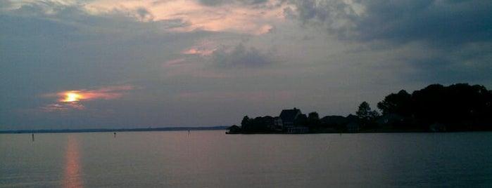 Ross Barnett Reservoir is one of Mississippi.