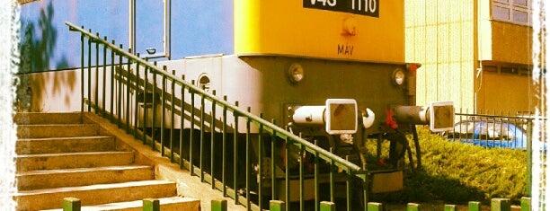 Katinyi mártírok parkja (17) is one of Budai villamosmegállók.