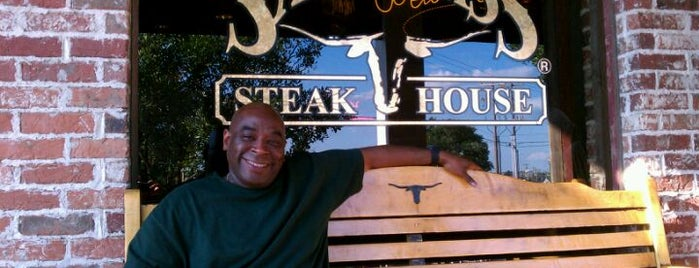 Saltgrass Steak House is one of Fave Foodies.