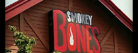 Smokey Bones Bar & Fire Grill is one of Favorite Food.
