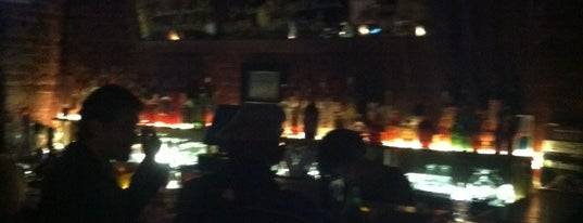 Mirrors On Grand is one of PALM Beer in Brooklyn.