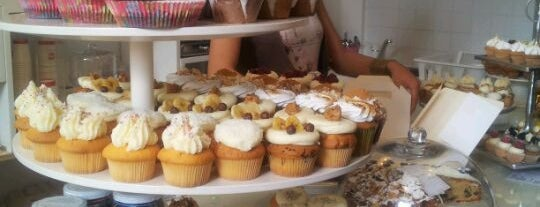 MoMade Cupcakes is one of Shopping loves Antwerp.