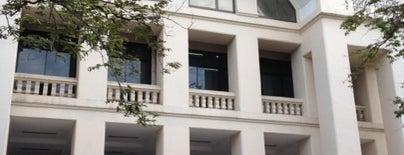 Boromrajakumari Building is one of Chulalongkorn University.