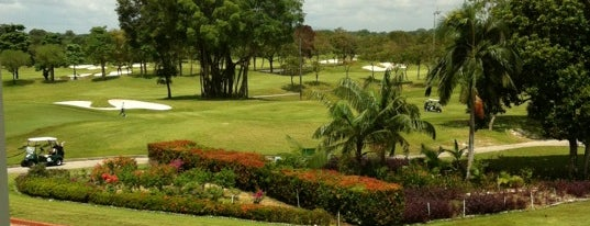 Warren Golf & Country Club is one of Singapore to do list.