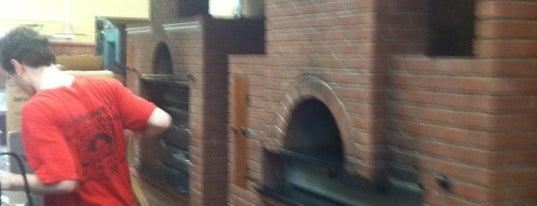 Nonna's Brick Oven Pizzeria & Restaurant is one of Eats.