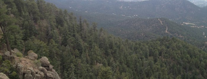 Atalaya Peak is one of Chilling Spots.