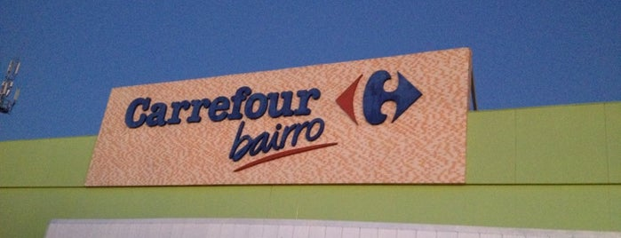 Carrefour Bairro is one of Lugares....