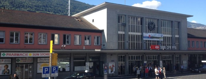 Gare de Sion is one of Bahnhöfe.