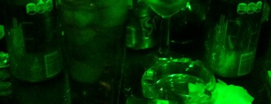 Green DF is one of bars.