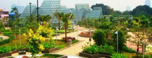 Taman Menteng is one of Enjoy Jakarta 2012 #4sqCities.