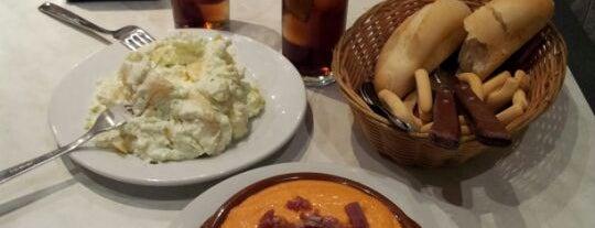 Taberna Moriles 2 is one of Donde comer y dormir en cordoba.