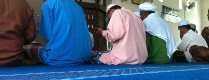 Masjid Kampung Kuala Dura is one of @Hulu Terengganu.