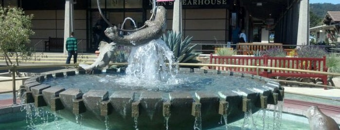 Del Monte Shopping Center is one of My fave vacation spots.