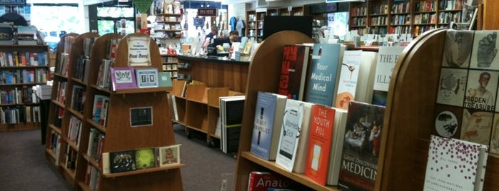 Politics & Prose Bookstore and Modern Times Coffeehouse is one of Read.