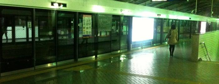 뚝섬역 (Ttukseom Stn.) is one of Subway Stations in Seoul(line1~4 & DX).