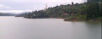 Lago Calima is one of Lugares en Colombia!!!! :D.