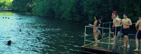 Hampstead Heath Ponds is one of London's best lidos and outdoor swimming pools.