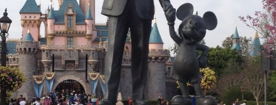 The Hub and Partners Statue is one of Disneyland.