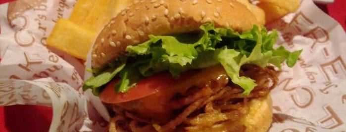 Red Robin Gourmet Burgers is one of Burnaby Eats.