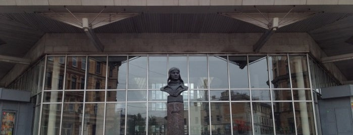 metro Chkalovskaya is one of Метро Санкт-Петербурга.