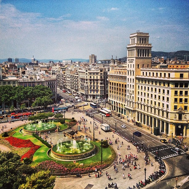 Pla a de catalunya plaza pl catalunya in barcelona - Placa kennedy barcelona ...