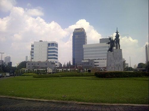 Patung Pahlawan (Tugu Tani)