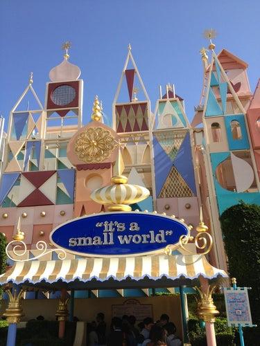 イッツ・ア・スモールワールド (It's a Small World)