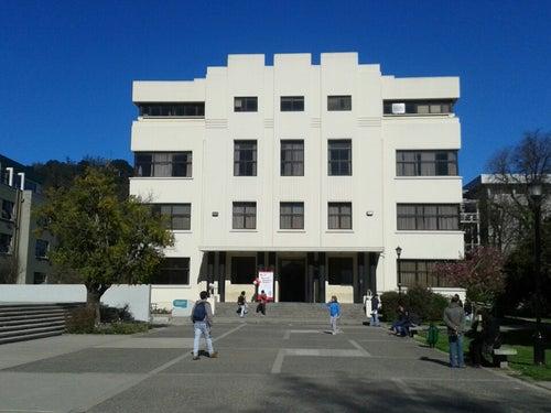 Facultad de Ciencias Jurídicas y Sociales