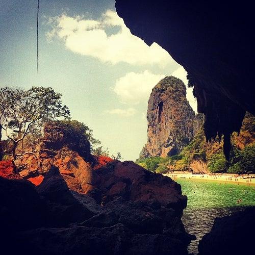 ถ้ำพระนาง (Phra Nang Cave)