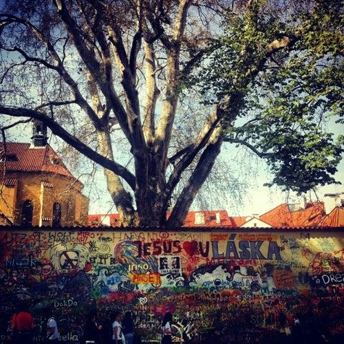 Lennonova zeď  | John Lennon Wall