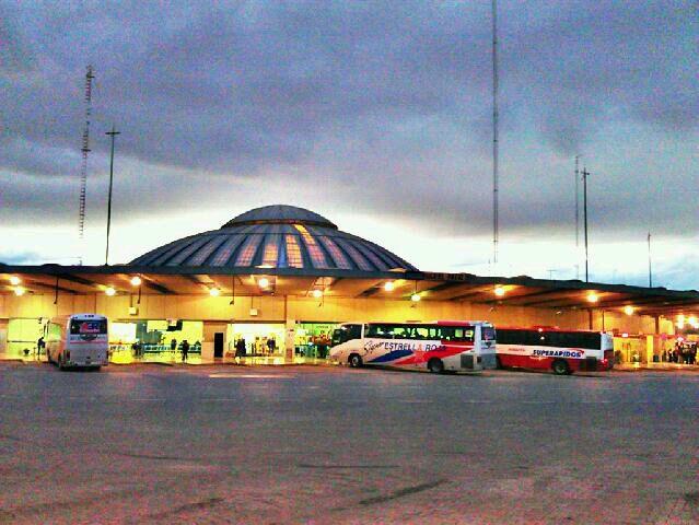 ADO - Terminal de Autobuses de Pasajeros de Oriente (TAPO)