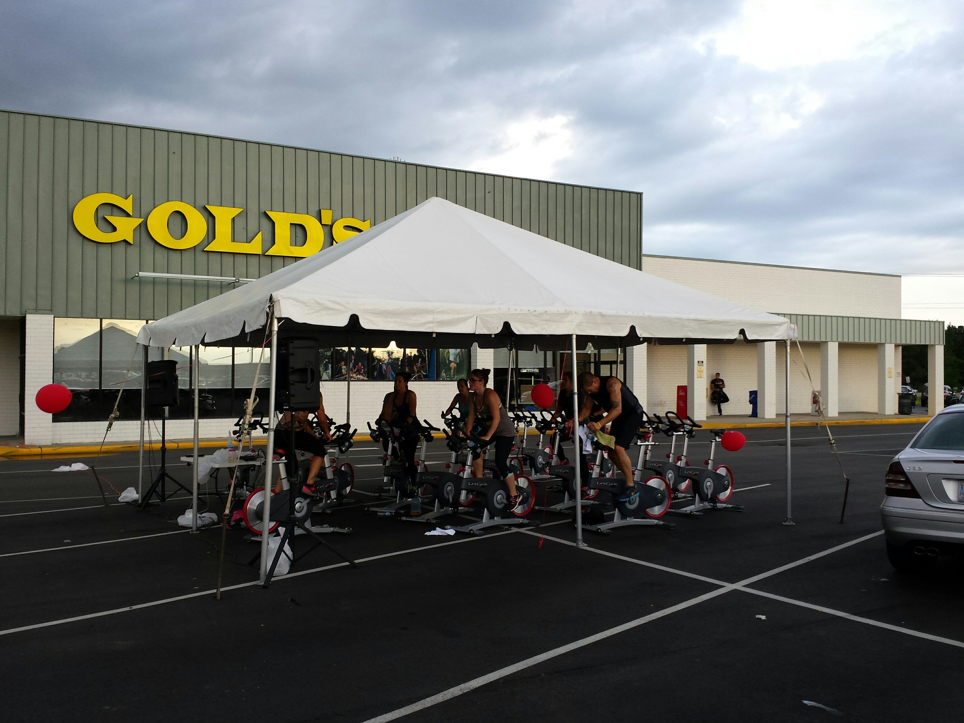 Gold's Gym,