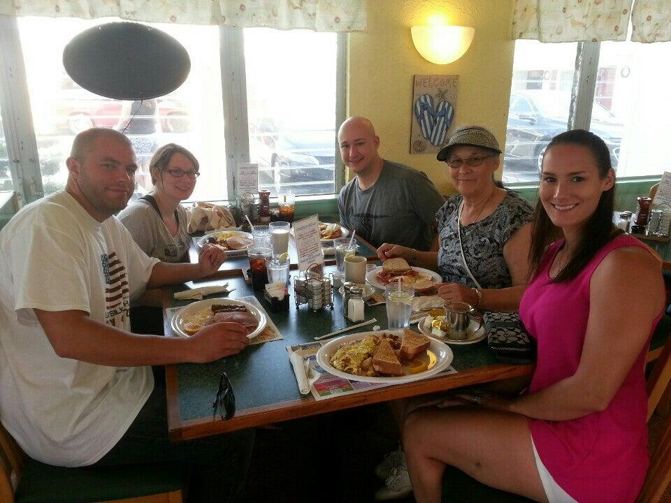 Waffle House,breakfast,coffee,omelette,waffle