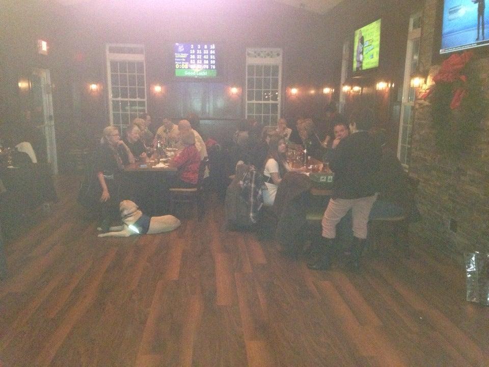 Bentley's Tavern,beer,food,tavern,wings