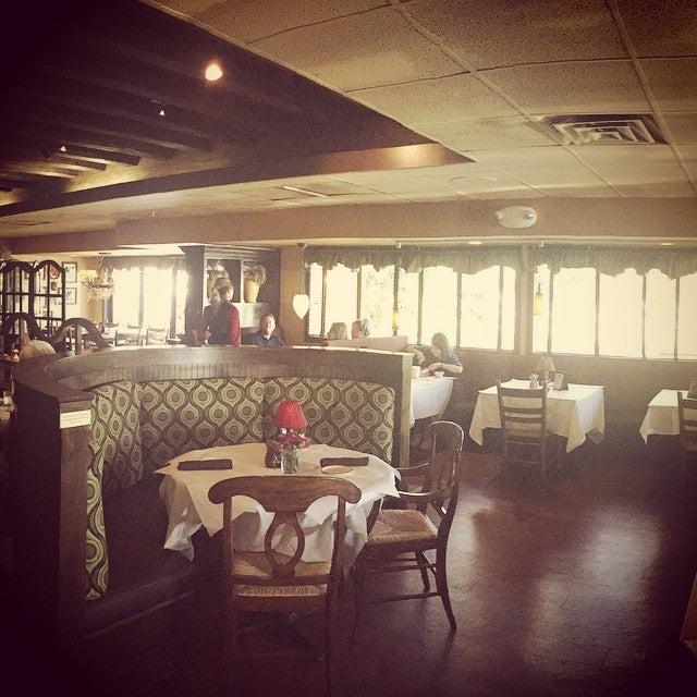 Paesano's Restaurant,daily specials,italian food,wine bar