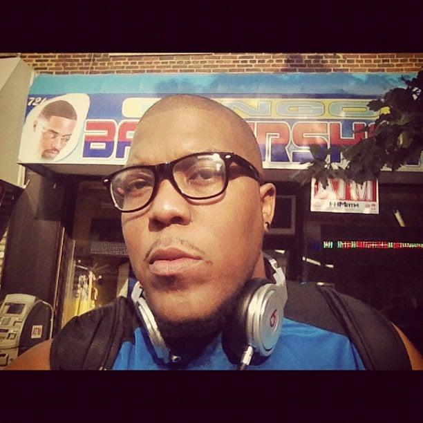 Mingo Barbershop,