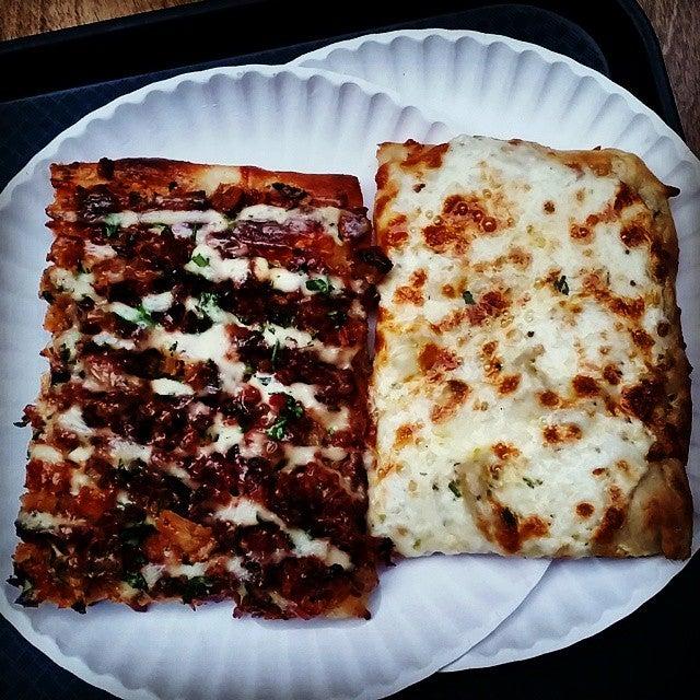 Garlic New York Pizza Bar,pizza