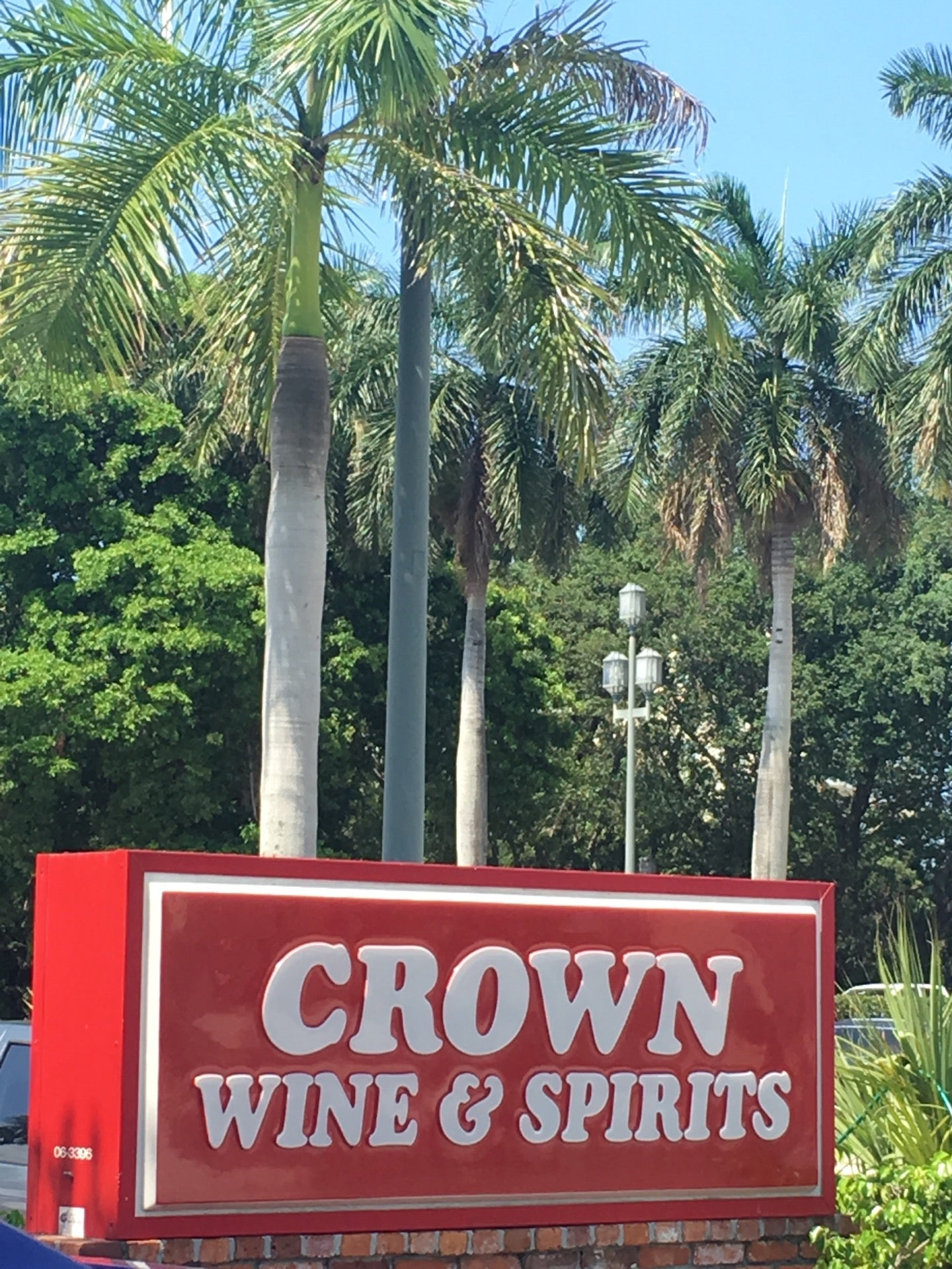 CROWN WINE & SPIRITS,