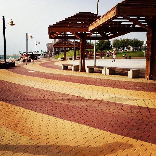Dado Beach (חוף דדו)