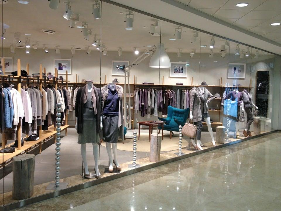 Смоленский пассаж магазины список