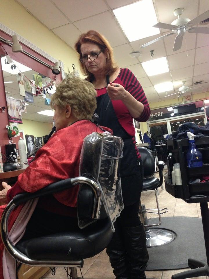 Lauren's Signature Salon,