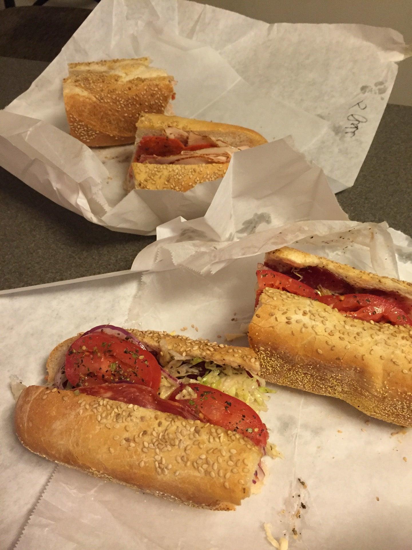 Sarcone's Deli,bread,deli,deli meat,pizza,sandwiches,side dishes