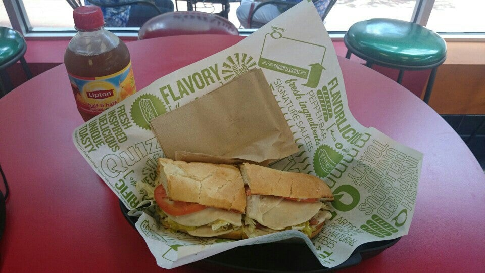 Quiznos,lunch,salads,soup,subs